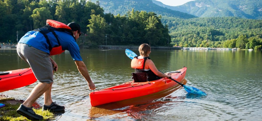 Differences between canoes and kayaks.