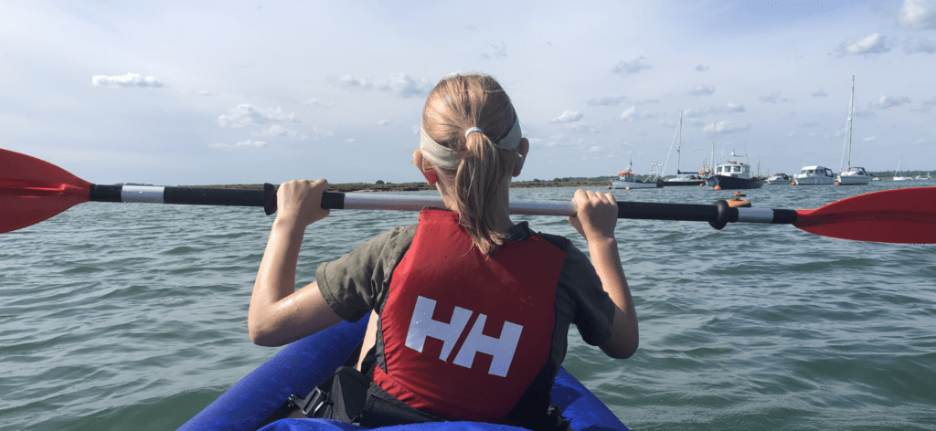 kayak in a straight line
